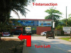 Turn left at the T-Intersection in Uvita for Uvita Surf School.